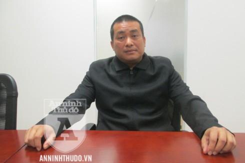 Giám đốc HTX GTVT Toàn Cầu - ông Nguyễn Xuân Tuấn - trao đổi với PV Báo ANTĐ
