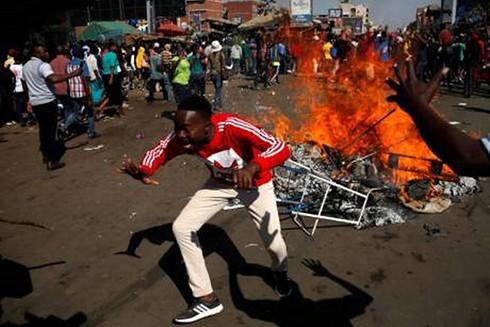 Tình hình Zimbabwe hỗn loạn nghiêm trọng sau bầu cử