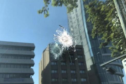 Một vết đạn bắn vào ĐSQ Mỹ ở Thổ Nhĩ Kỳ