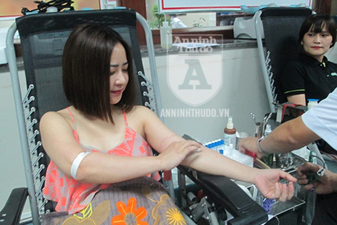 Sự tận tâm của những y, bác sĩ tại Viện Huyết học khiến người hiến máu tình nguyện cảm thấy thực sự an tâm và thoải mái
