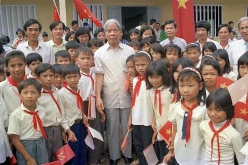 Nguyên Tổng Bí thư Đỗ Mười-người luôn quan tâm đến hoạt động nhân đạo ảnh 1
