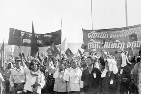 Nhân dân Campuchia tham dự Lễ mừng chiến thắng 7/1/1979, được tổ chức ngày 25/1/1979 tại sân vận động Olympic ở thủ đô Phnom Penh