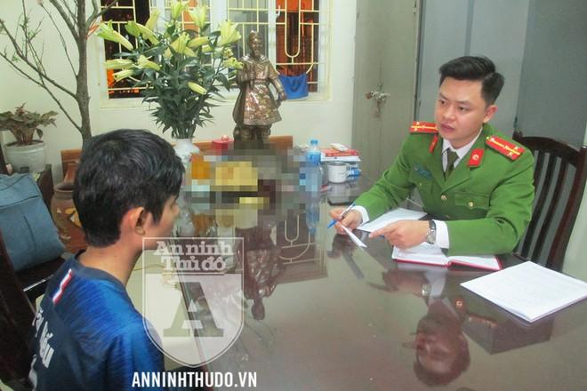 Đối tượng gây án bị di lý từ Hòa Bình về Hà Nội ngay trong tối ngày 3-2. Ảnh: Trung Hiếu