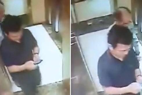 Hình ảnh đối tượng dâm ô xuất hiện trong thang máy bị camera ghi lại