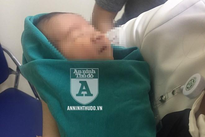 Một bé sơ sinh được dc cơ quan công an giải cứu khỏi đường dây mua bán