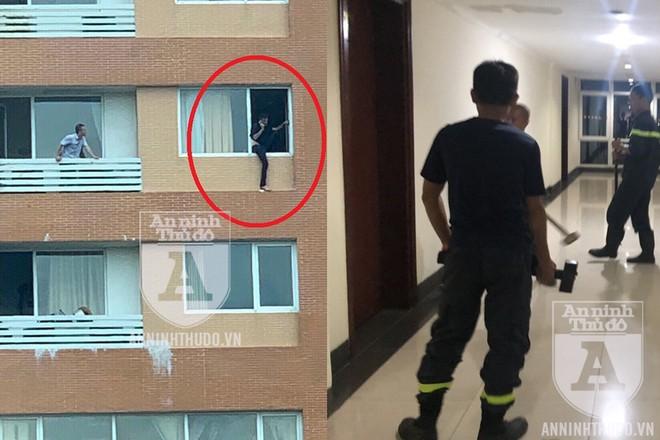 Khoảnh khắc mũi giải cứu ở tầng 7 chuẩn bị phá cửa, lao vào