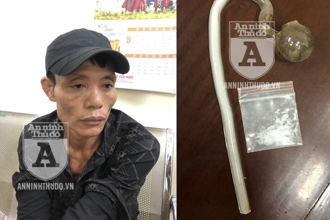 Đối tượng có 3 tiền án và gói ma túy đá cùng dụng cụ hút bị phát hiện trong tư trang