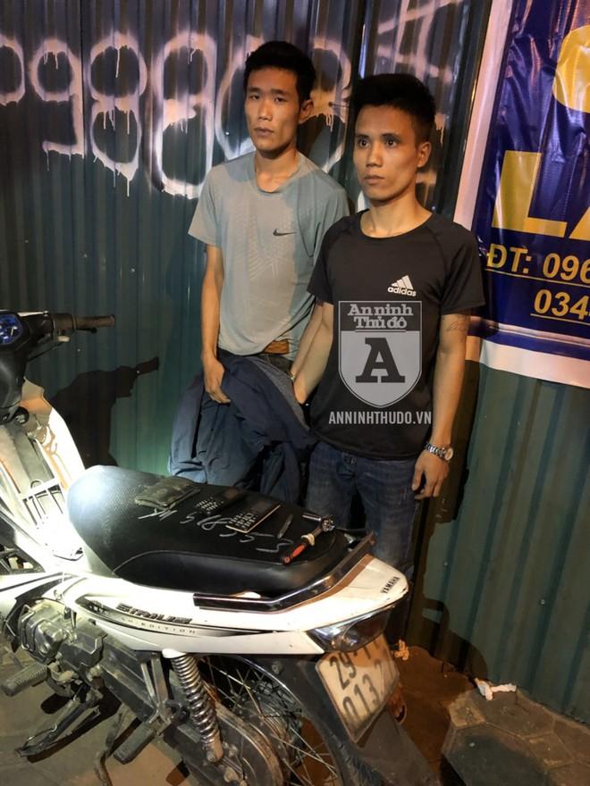 Vừa chạy được vài trăm mét, hai đối tượng trộm cắp xe máy đã bị Cảnh sát 141 bắt giữ