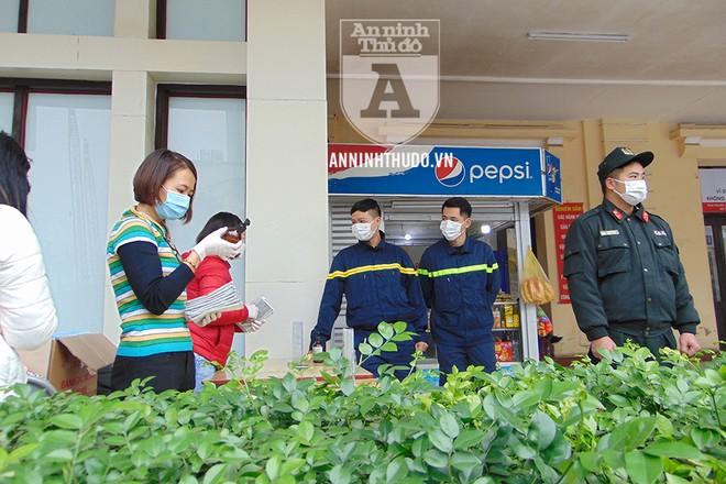 Chương trình do Báo An ninh Thủ đô phối hợp với nhóm thiện nguyện Hoa Cúc Xanh và các đoàn viên CATP Hà Nội triển khai