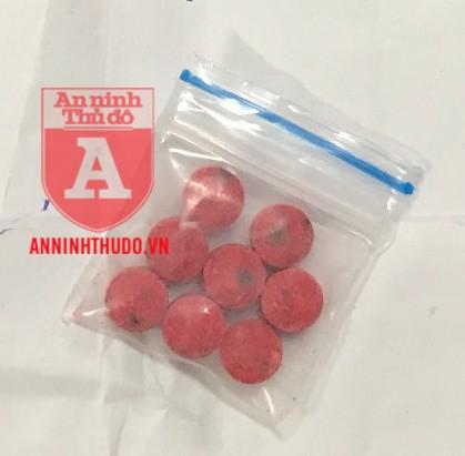 Gói ma túy hồng phiến mà đối tượng giấu trong phong bì