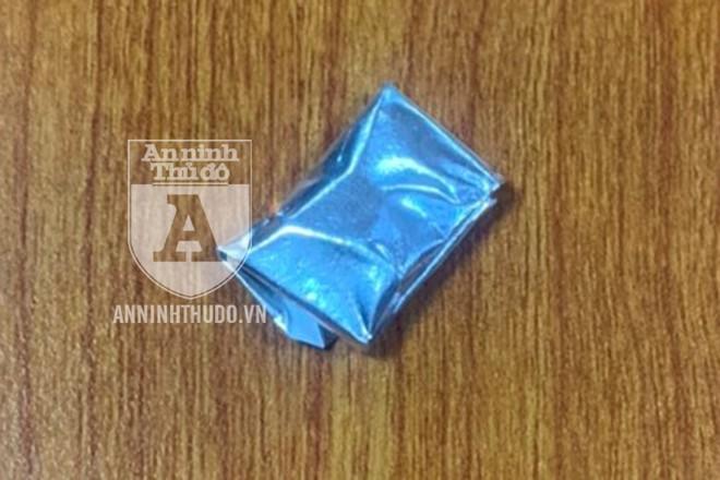 Gói heroin mà đối tượng khai mua về để sử dụng
