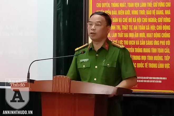 Thượng tá Nguyễn Tuấn Tùng - Phó Trung đoàn trưởng Trung đoàn CSCĐ, CATP Hà Nội - phát biểu tại sự kiện