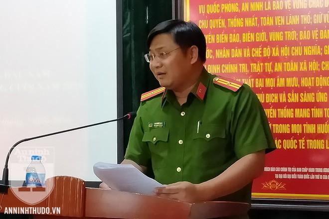 Thiếu tá Cao Duy Anh - Tiểu đoàn trưởng Tiểu đoàn Cảnh sát Đặc nhiệm, Trung đoàn CSCĐ, CATP Hà Nội - trình bày tham luận tại hội nghị. Tiểu đoàn Cảnh sát Đặc nhiệm là lực lượng tham gia vào nhiều vụ việc phức tạp, lập nhiều thành tích ấn tượng