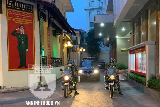 Đội CSGT, TT (CAQ Hai Bà Trưng) ra quân từ 5h, để giải quyết các vấn đề trật tự đô thị