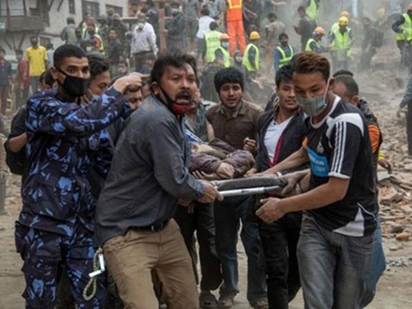 Nạn nhân động đất ở Nepal đang rất cần trợ giúp