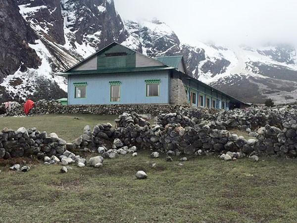 """Nepal: Khách sạn bị """"ném đá """" vì bỏ trống nhưng không cho nạn nhân nằm nhờ ảnh 1"""