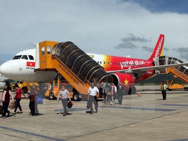 Máy bay của Vietjet Air trả khách tại sân bay Liên Khương, tỉnh Lâm Đồng