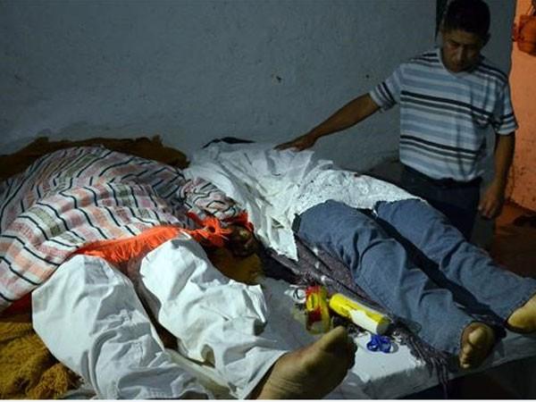 Thi thể hai người đàn ông bị giết trong cuộc ẩu đả tại thị trấn Xolapa, bang Guerrero