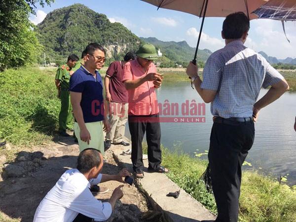 Thiếu tướng Hồ Sỹ Tiến, Cục trưởng Cục CSHS chỉ đạo việc tìm kiếm khẩu súng gây án các đối tượng ném xuống hồ