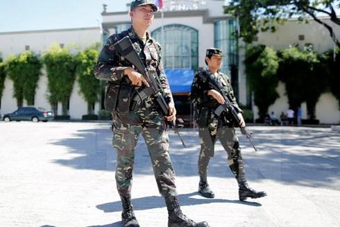 Binh sĩ Philippines tuần tra tại thành phố Las Pinas, phía nam thủ đô Manila