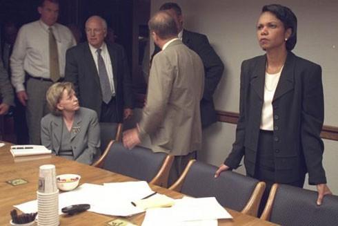 Những bức ảnh chưa công bố từ Nhà Trắng sau vụ khủng bố 11-9 ảnh 15
