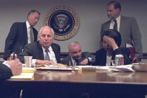 Ông Dick Cheney và bà Condolezza Rice căng thẳng trước sự việc