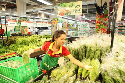 Người tiêu dùng có thể dễ dàng tra cứu thông tin nông sản trong chương trình bằng smartphone khi có nhu cầu kiểm chứng