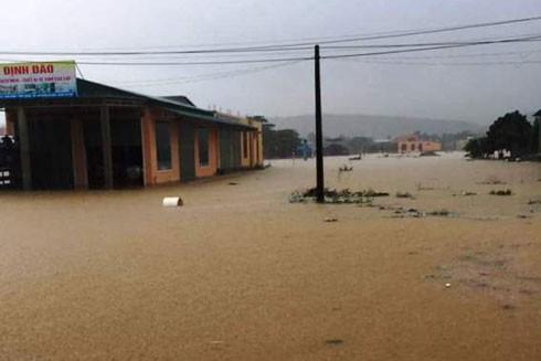 Quảng Bình đang ngập trong nước sau hai ngày mưa lớn