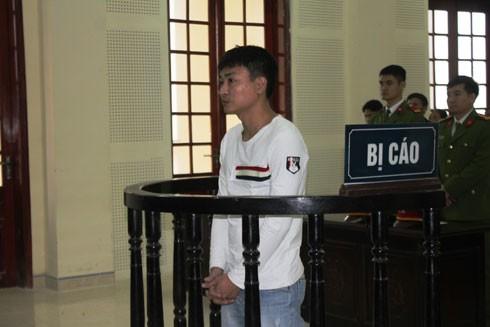Hoàng Trung Kiên trước vành móng ngựa trong phiên xét xử