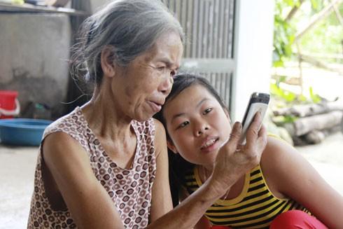 Bà Tâm hạnh phúc bên con gái của mình