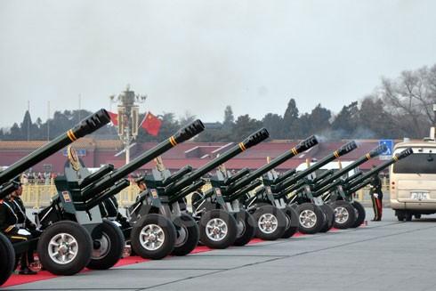 Đạn pháo vừa được bắn chào mừng chuyến thăm chính thức Trung Quốc của Tổng Bí thư Nguyễn Phú Trọng