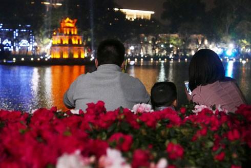 Cả nước tưng bừng đón chào năm mới Đinh Dậu 2017 ảnh 2