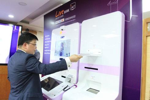 Ngân hàng tự động Live Bank lần đầu tiên có mặt tại Việt Nam