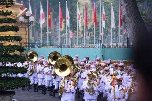Đoàn quân nhạc trong lễ đón