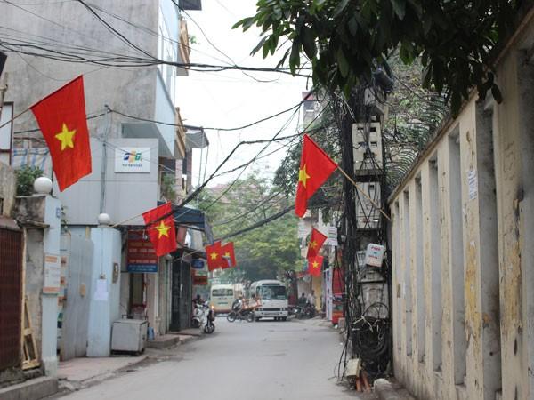 """Phố phường Hà Nội """"thay áo mới"""" đón Tết ảnh 10"""