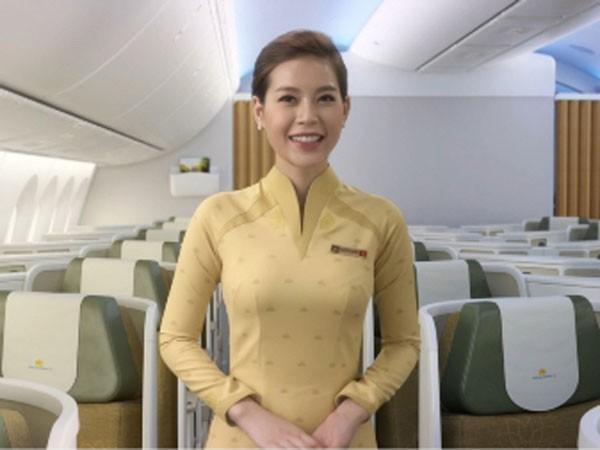 Đồng phục mới của tiếp viên Vietnam Airlines: Đột phá nhưng vẫn bị chê! ảnh 2
