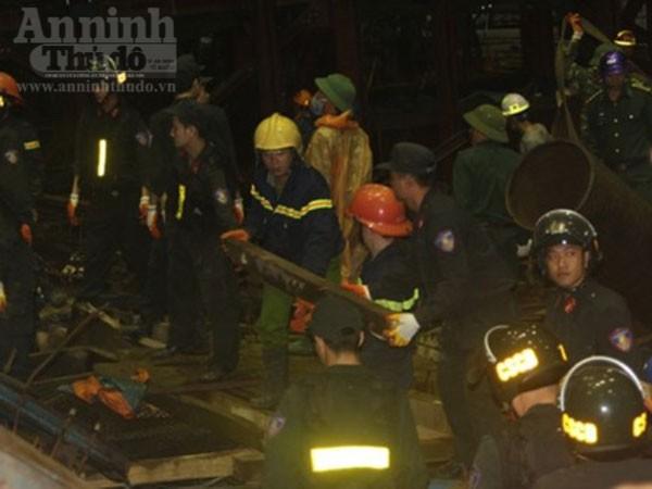 Công an Hà Tĩnh vào cuộc điều tra nguyên nhân vụ sập giàn giáo ở Formosa ảnh 4