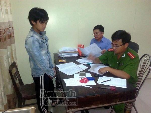 """Theo bố mẹ sang Lào làm ăn, """"tranh thủ"""" vận chuyển gần 1.000 viên ma túy ảnh 1"""