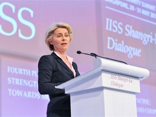 Bộ trưởng Quốc phòng Đức Ursula von der Leyen phát biểu tại Đối thoại Shangri-La.