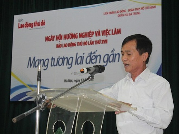 Ông Ngô Văn Tuyến phát biểu tại lễ khai mạc