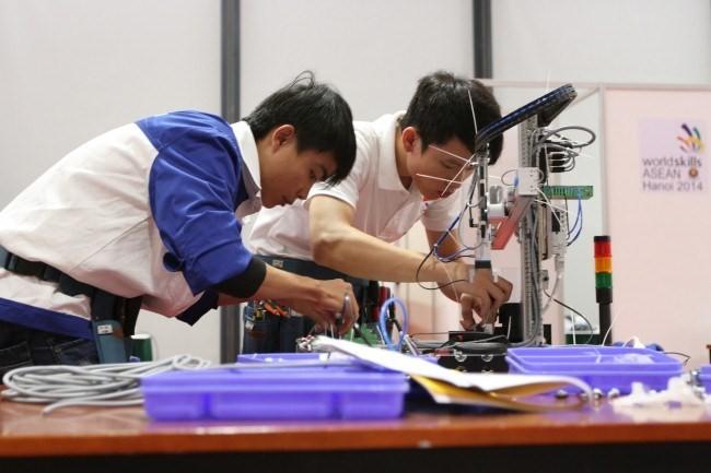 Nhiều cơ sở giáo dục nghề nghiệp cam kết đảm bảo đầu ra cho sinh viên