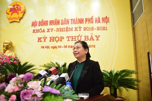 Phó Chủ tịch Thường trực Quốc hội Tòng Thị Phóng phát biểu tại phiên khai mạc kỳ họp thứ 7, HĐND TP Hà Nội khóa XV (Ảnh: Phú Khánh)