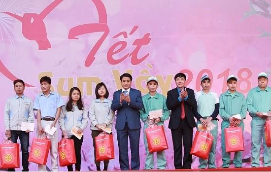 Năm 2019, UBND TP Hà Nội dành 1,5 tỷ đồng tặng quà công nhân, viên chức, người lao động