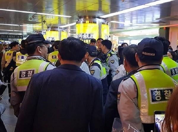 Người lao động nước ngoài bị bắt trong các đợt truy quét sẽ bị trục xuất về nước, hạn chế nhập cảnh Hàn Quốc trong thời hạn tối đa 10 năm