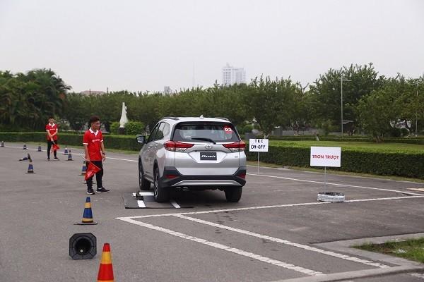 Khách hàng có cơ hội lái thử xe tại 2 đường đua riêng biệt