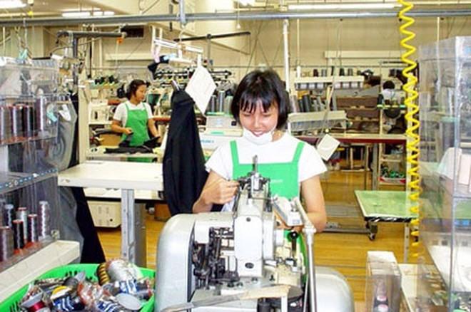 Người lao động nước ngoài sau khi kết thúc 10 năm làm việc tại Malaysia có thể được gia hạn làm việc tối đa 3 năm tiếp theo