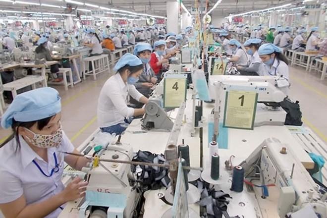 Do đặc thù nghề nghiệp, công nhân dệt may thường nghỉ hưu sớm hơn tuổi quy định