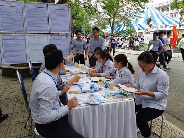 Ngoài thông tin tuyển dụng, tham gia phiên giao dịch người lao động có cơ hội tiếp cận các chương trình học nghề