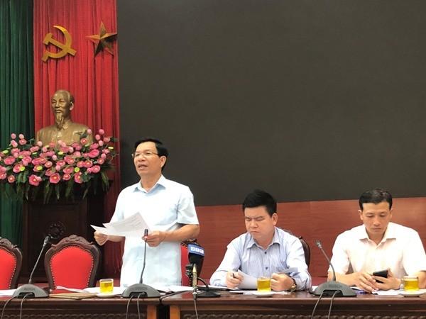 Trưởng Ban Dân tộc TP Nguyễn Tất Vinh thông tin tại hội nghị