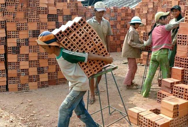 Lao động trẻ em chủ yếu làm việc trong khu vực phi chính thức